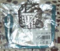 picture of Pewter Apple Basket Tie-on